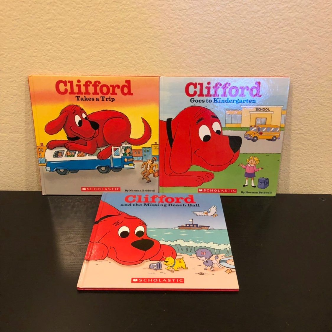 This Listing Is For 3 Clifford The Big Red Dog Hardcover