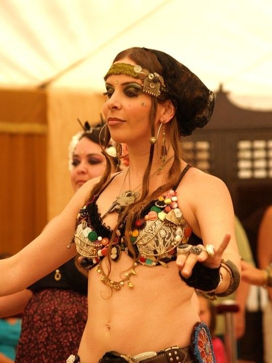 Young Girl fascinated by Exotic Bellydancers. | Beautiful Eyes ...