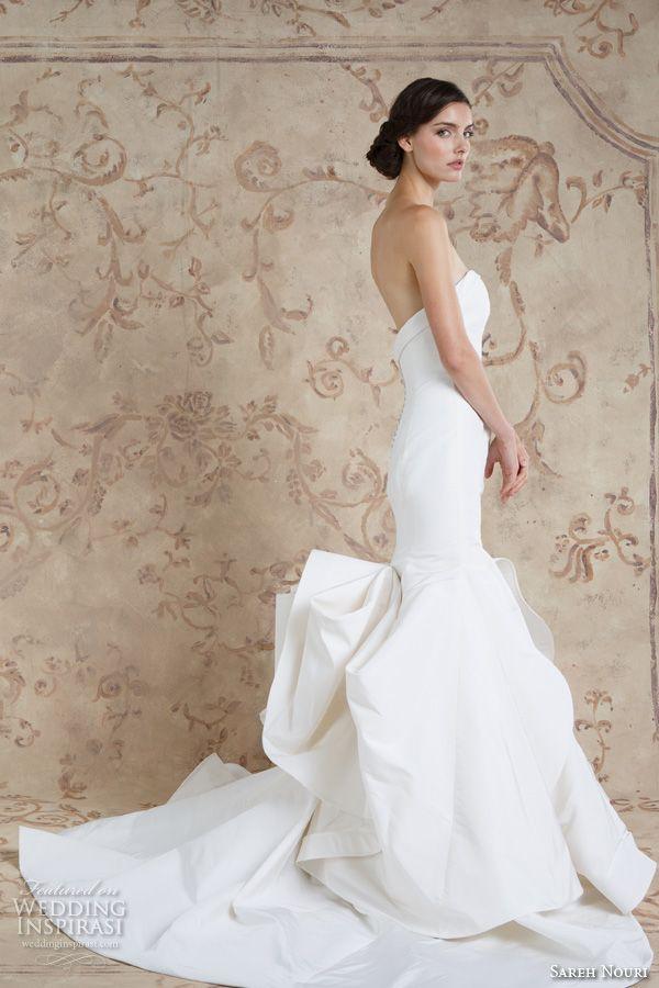 Sareh Nouri Fall 2016 Bridal Beautiful Chic Simple Mermaid Trumpet Wedding Dress Style Artemis Side View
