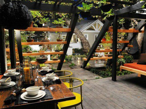 Garten Ideen Pergola Im Asiatischen Stil Gelbe Akzente Bar Holz ... Gartengestaltung Ideen Pergola Grillparty