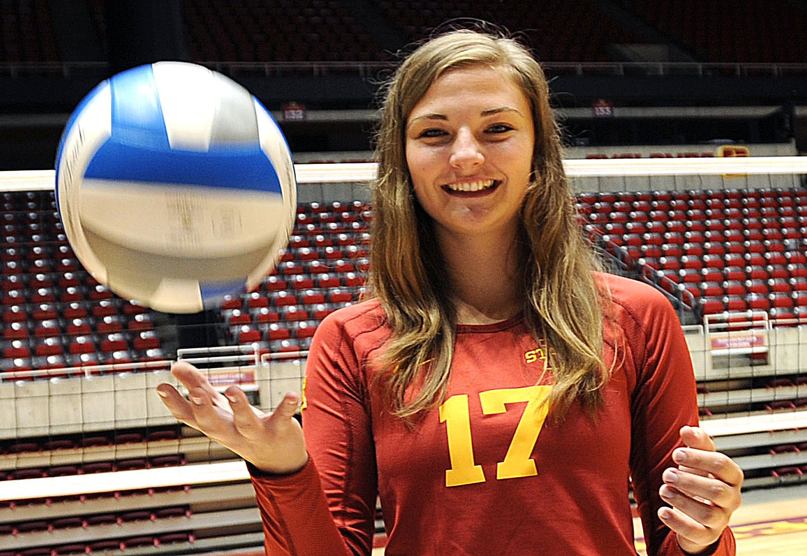 Mississippi State Transfer Suzanne Horner Will Step Into The Role Of Setter For Iowa State After Jenelle Hudson L Long Beach State Mississippi State Iowa State