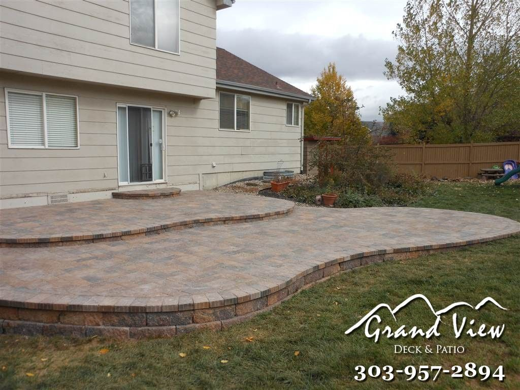 Example Of Curved Edging With Patio Pavers Patio