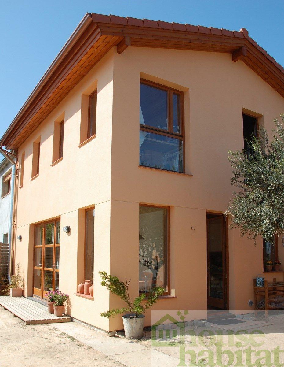 Casa de madera kuusamo log houses espa a en rupi girona con fachada ventilada con Casas rurales ecologicas