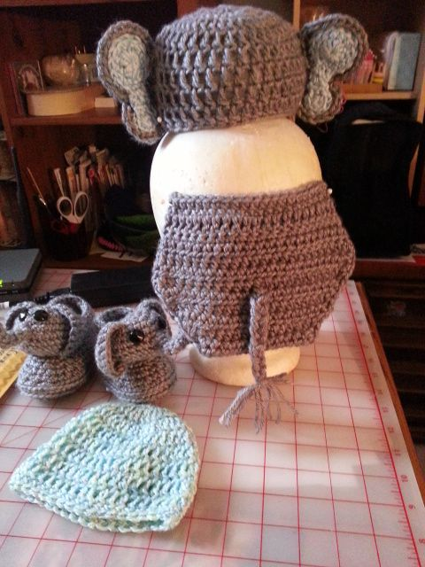 Back side of the Elephant set and a matching Beanie & Booties w mitt's