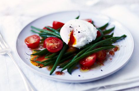 Green bean & tomato salad with poached egg