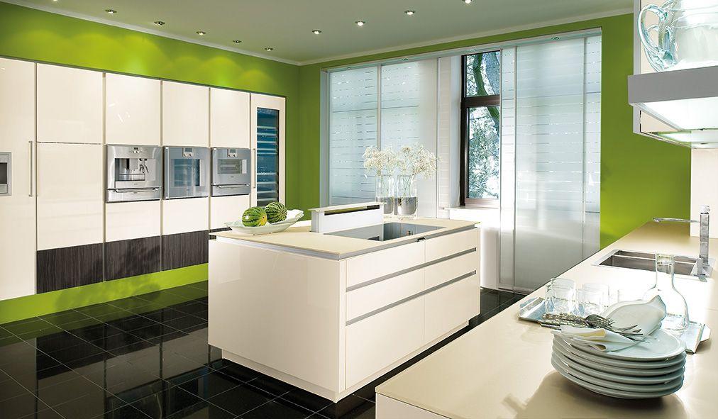 Mooie strakke keuken met fraaie rondingen Groen gelakt met rvs - brillante kuchen ideen siematic