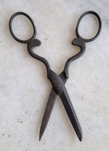 Antique Iron Snake Scissor