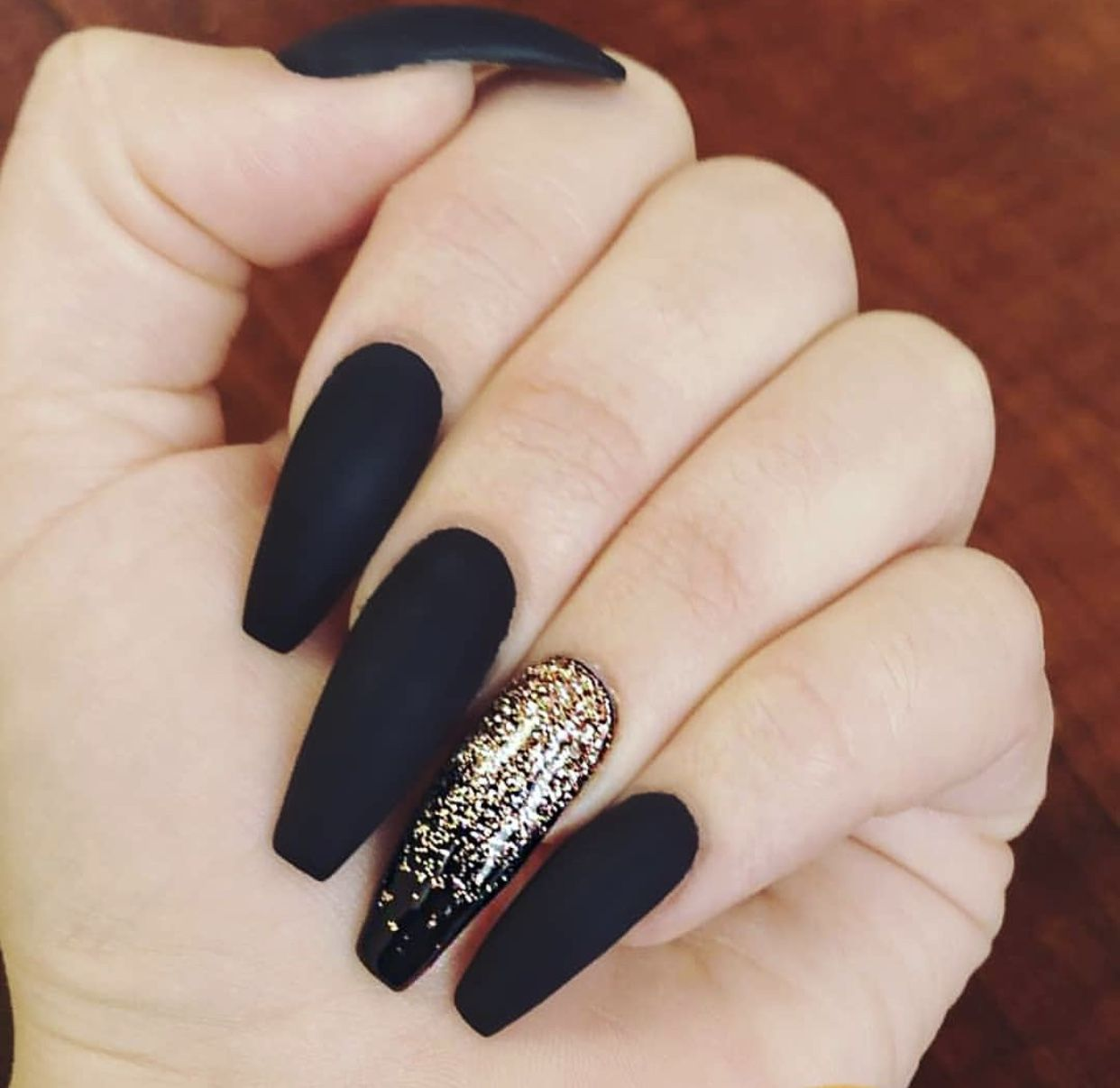 Pin By Josie Madelynn On Nails Gold Nails Black Gold Nails Matte Nails Design