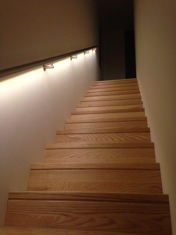 lumigrip trapleuning met led projectreferentie illunox verlichte trapleuning. Black Bedroom Furniture Sets. Home Design Ideas