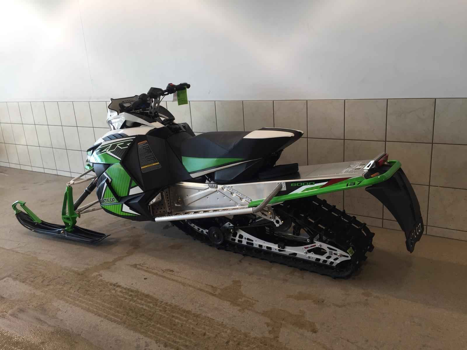 New 2016 Arctic Cat ZR6000 137SNOPRO ES Snowmobile For