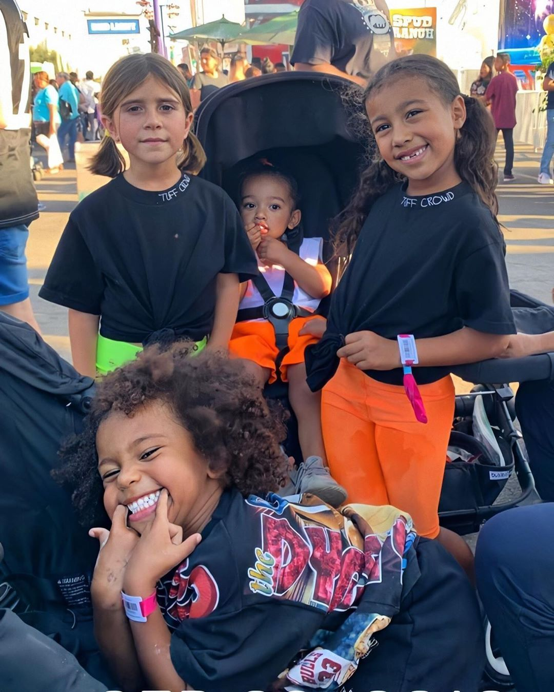 Kkwlive On Instagram This Is What It S All About Family Love Life Hope You Guys Had The Best New Ye Kardashian Kids Cute Kids Fashion Celebrity Kids