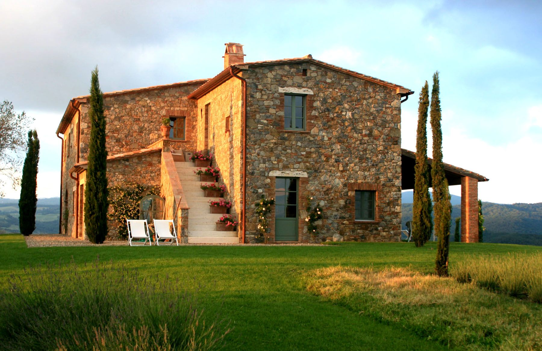 20 gorgeous homes in tuscany italy joinery foundation for Italian house