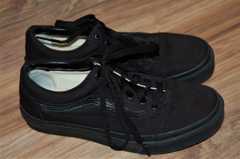a7fbcc9fe32 Vans Old Skool Black on Black Lace Up Mens Size 6 Womens Size 7.5  vans   Athletic