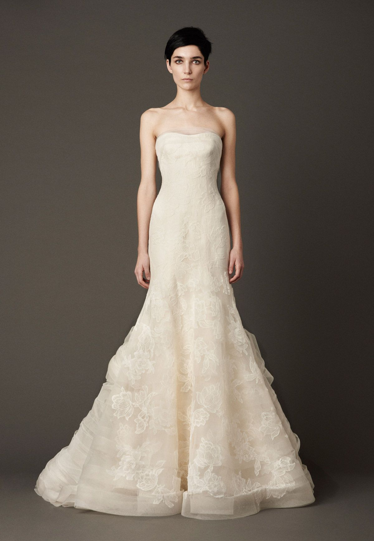 Vera wang lace wedding dress  Vera Wang Leda Size  Wedding Dress  Bridal gowns Wedding dress