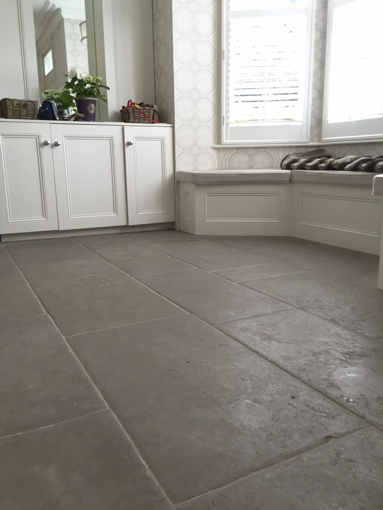 Heated Kitchen Floor Antiqued Kensington Grey Limestone Flooring Http Www