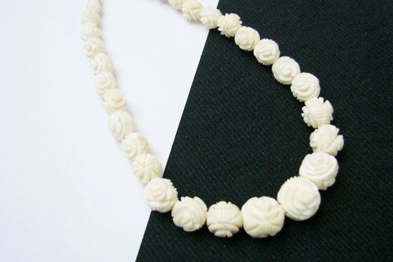 Vintage Hand Carved Bone Necklace Floral Graduated By Joysshop Artisan Necklace Bone Necklace Floral Necklace