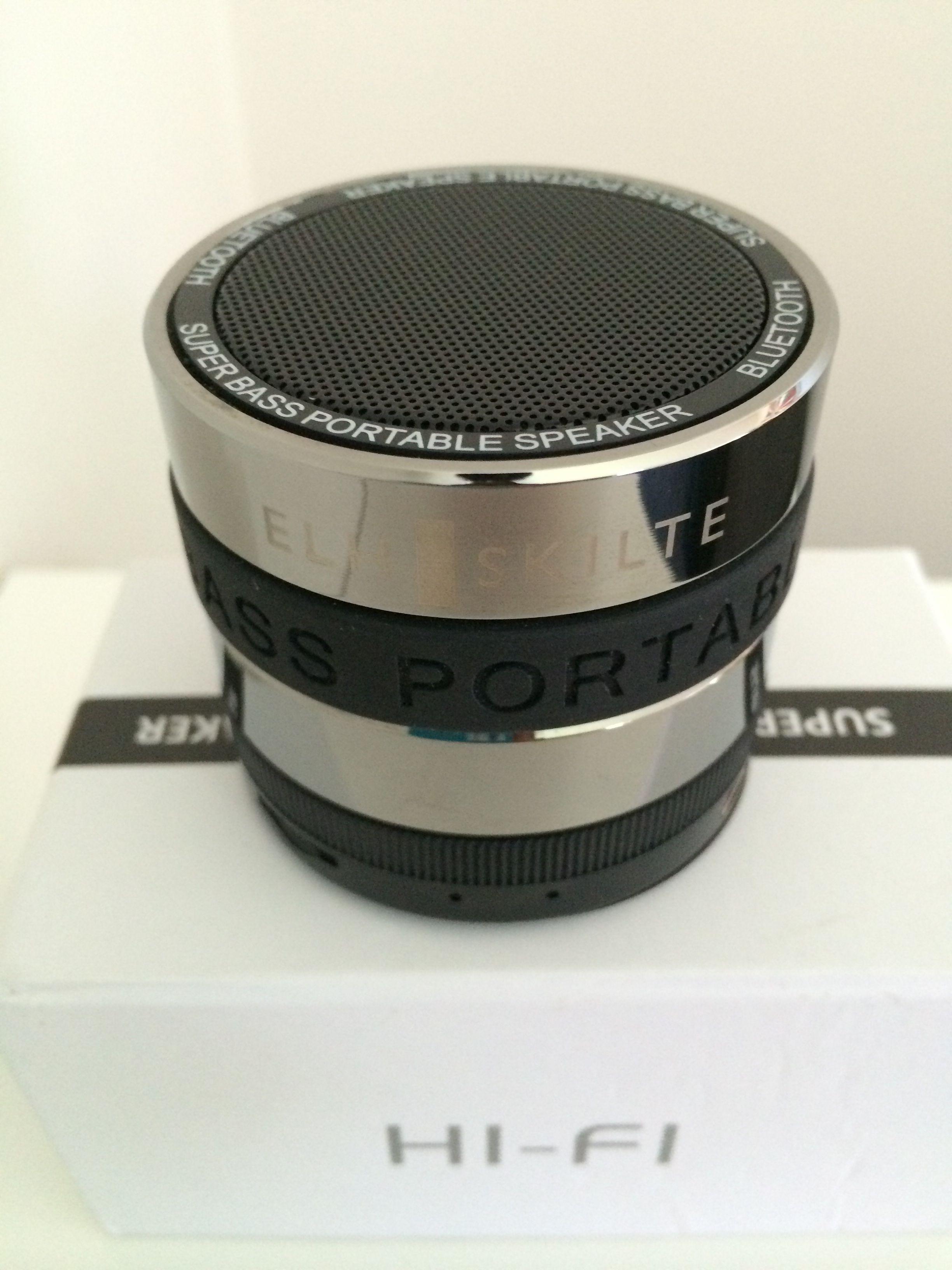 Bluetooth højtaler i høj kvalitet. Med mulighed forvindgraverer logo. Se mere på www.bl-Graphic.dk