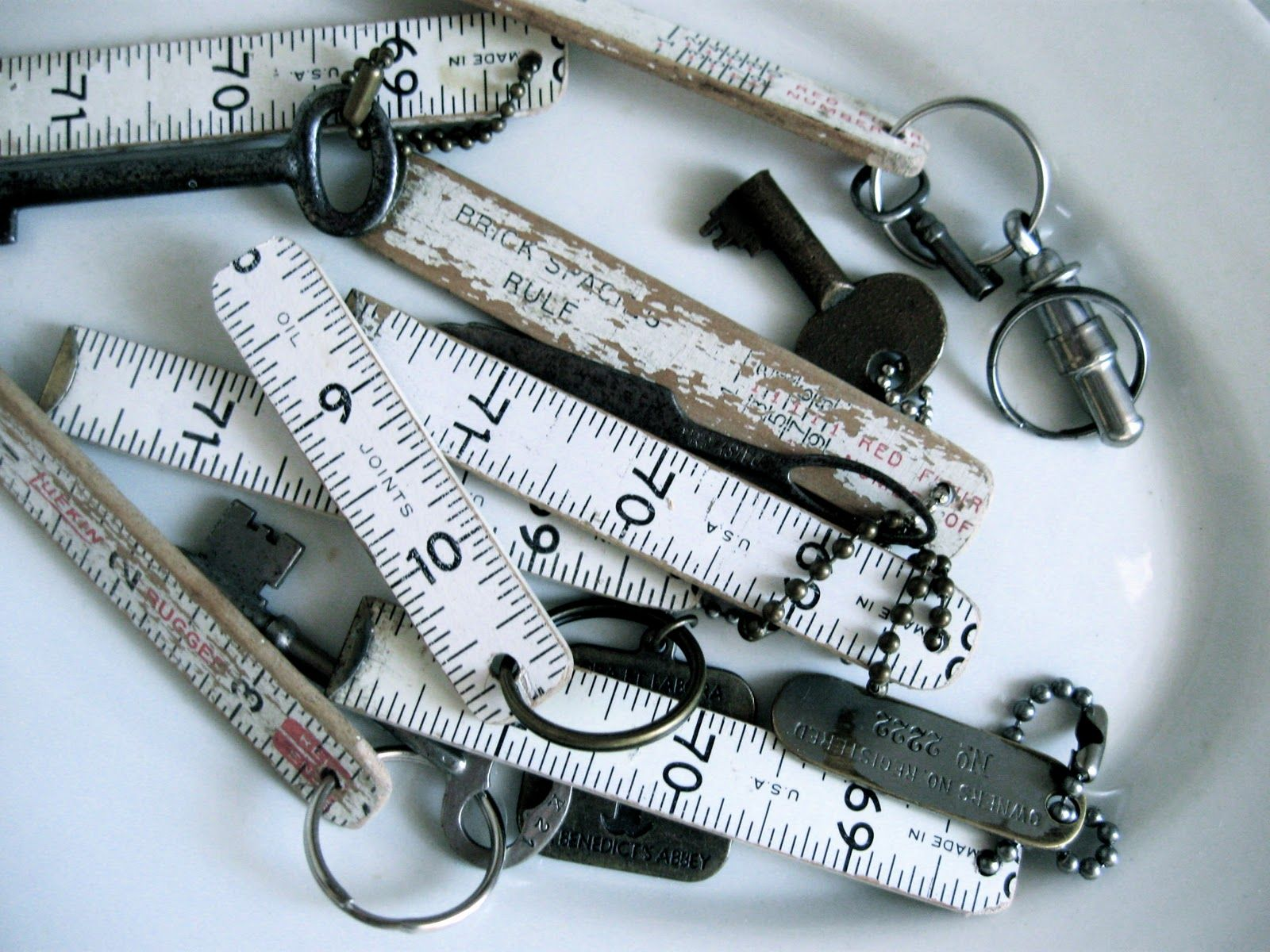 diy Wooden tape measure turned key chains.