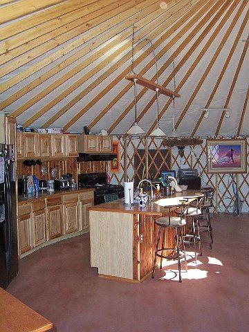 Coin Cuisine Dans Une Yourte Yurts Pinterest Yourte Cabane