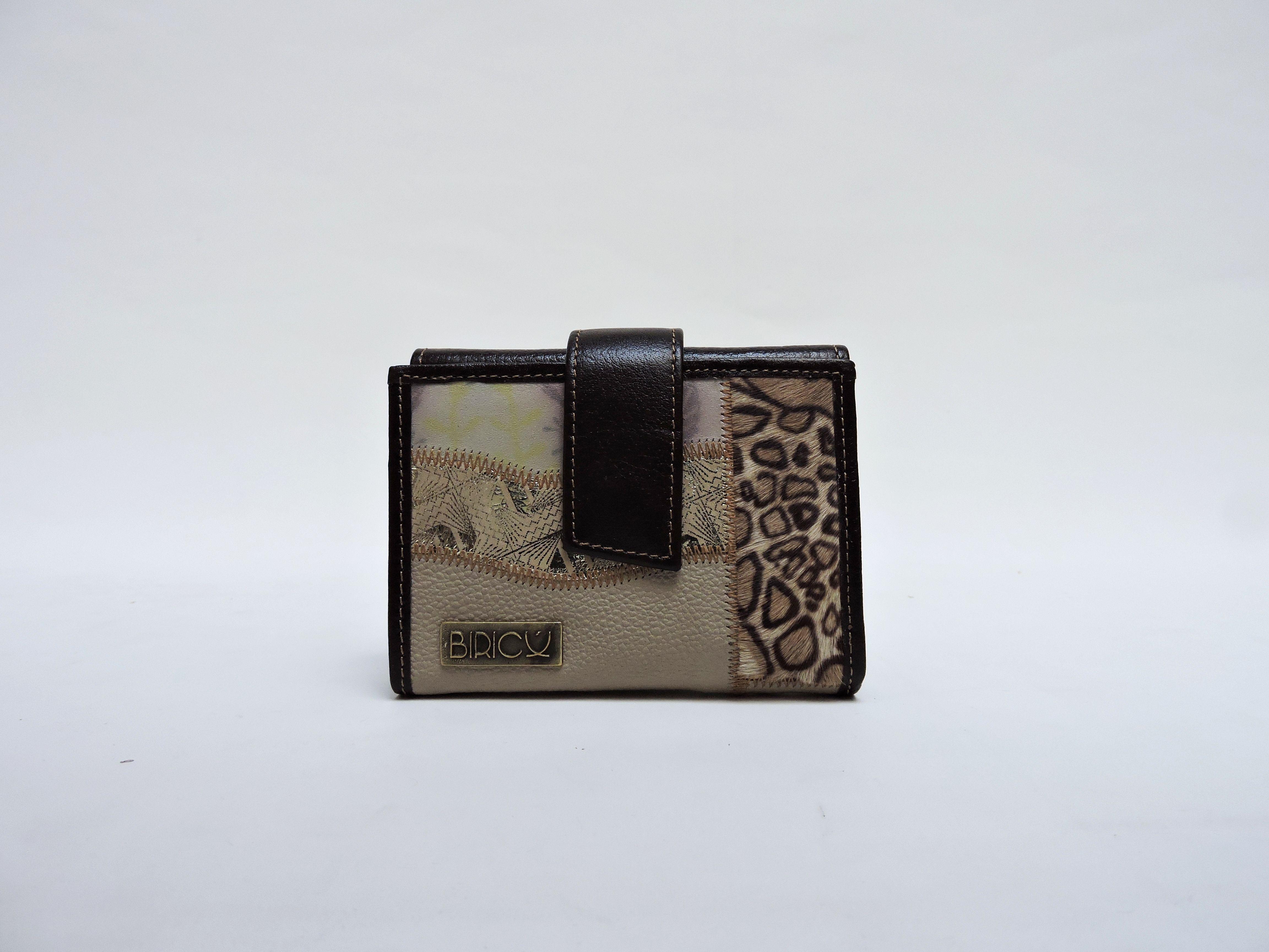 Billetera S ref:B0135  Valor: $62.900  Dimensiones aproximadas: 9cm x 11,5cm