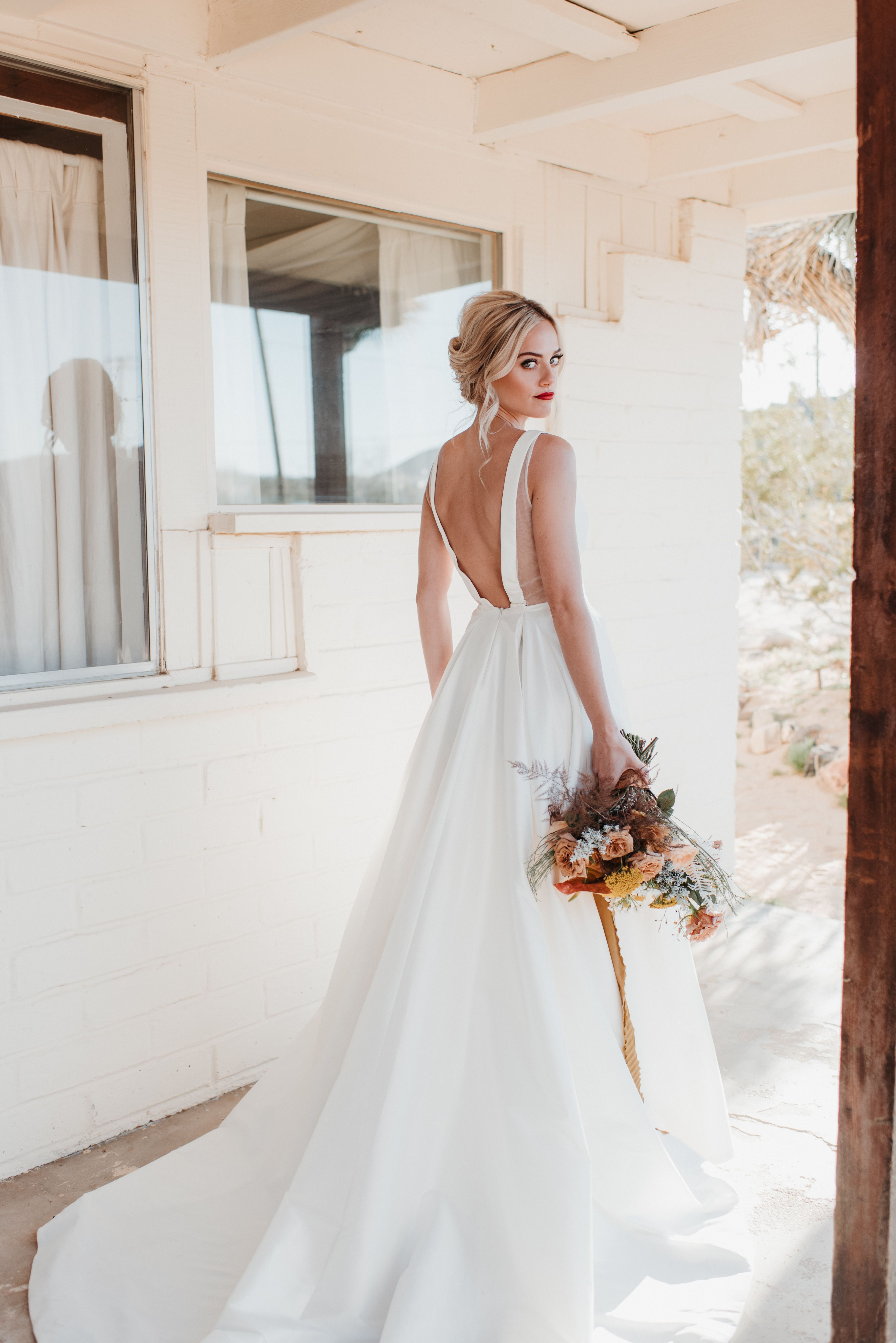 Jenny By Jenny Yoo Octavia Gown Country Style Wedding Dresses Wedding Dress Inspiration Country Wedding Gowns [ 5794 x 3868 Pixel ]