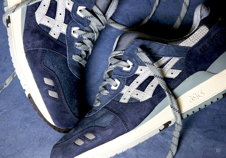 """J.Crew is bringing their classic refined Americana aesthetic to the ASICS Gel Lyte III for a teaming up that the #menswear movement can assuredly get behind. This """"Ribbon Blue"""" pair sees the brand move on from its recent Onitsuka Tiger … Continue reading →"""