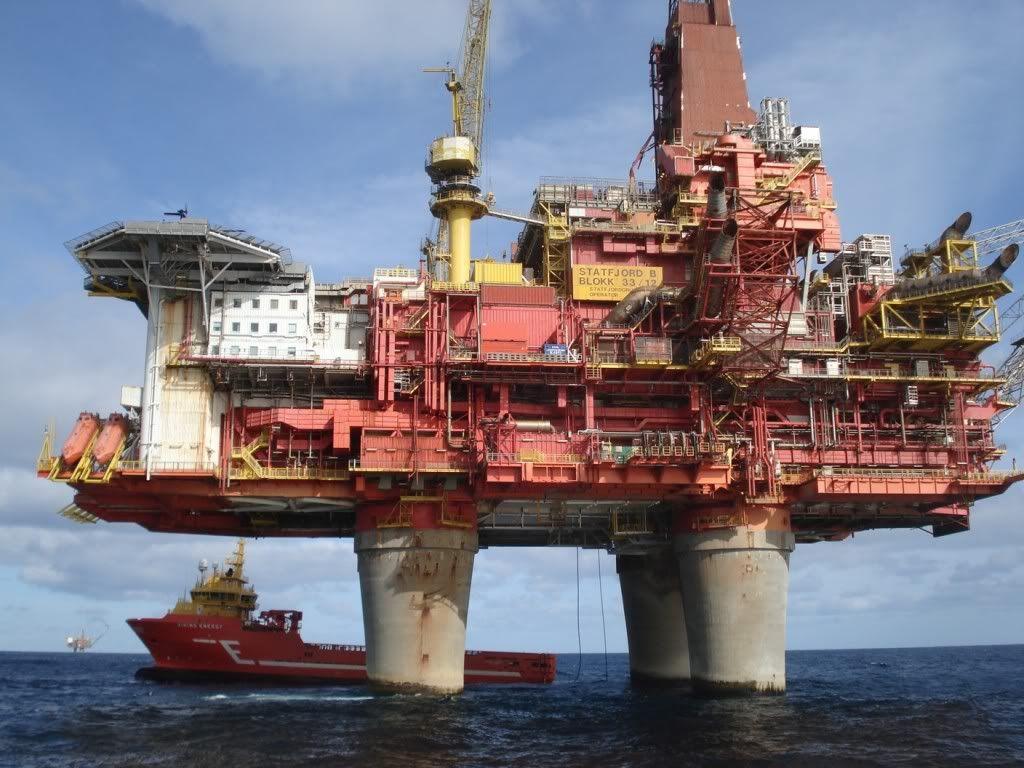 Gullfaks B Platform Google Search Oil Rig Drilling Rig Oilfield Trash