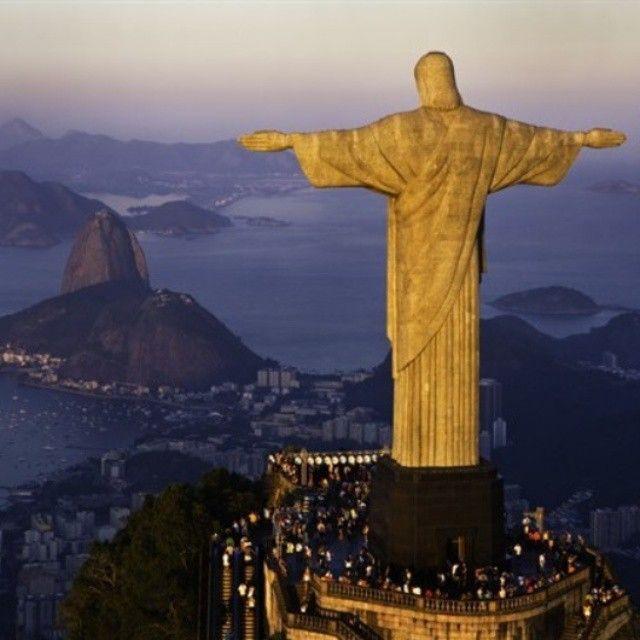 Rio de Janeiro, Brasile Voglia di #vacanza? Fattela regalare con @giftsitter! Scopri tutte le potenzialità del nostro servizio cliccando sul link in bio.  #Giftsitter #Giftsittermania #bastailpensiero #travel #travelling #tourism #tourist #instapassport #instatraveling #mytravelgram #travelgram #travelingram #igtravel #listaviaggio #viaggi #viaggio #vacanze #vacation #visiting #brasil #brasile #riodejaneiro
