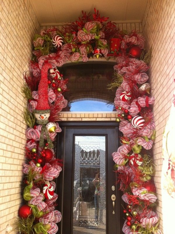 top christmas door decorating ideas beautiful christmas doors with flower ornament banffkiosk decoration inspiration - Beautiful Christmas Door Decorations