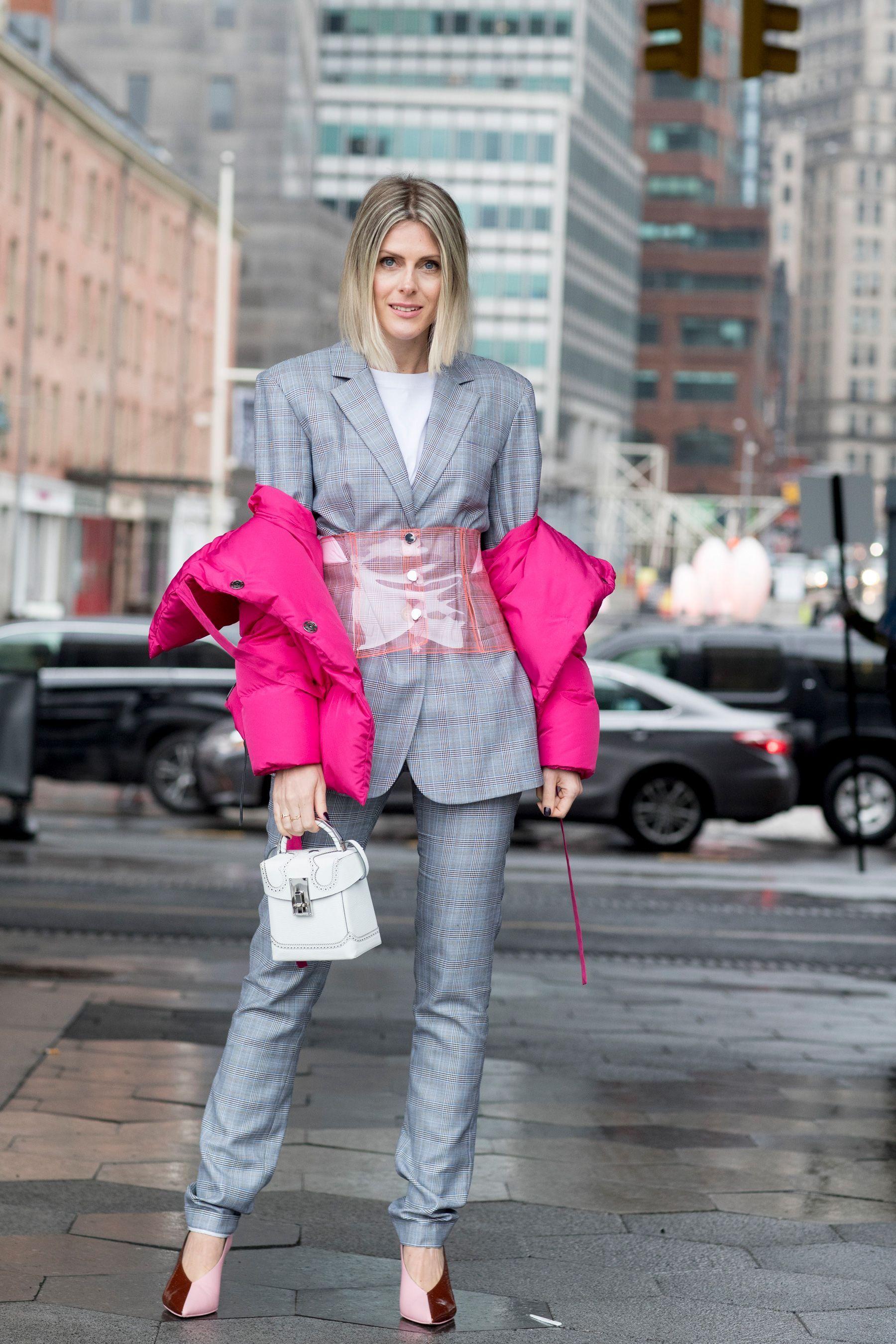 New York Fashion Week Street Style Fall 2018 Day 4   Fashion street ... fb75b4f6b18