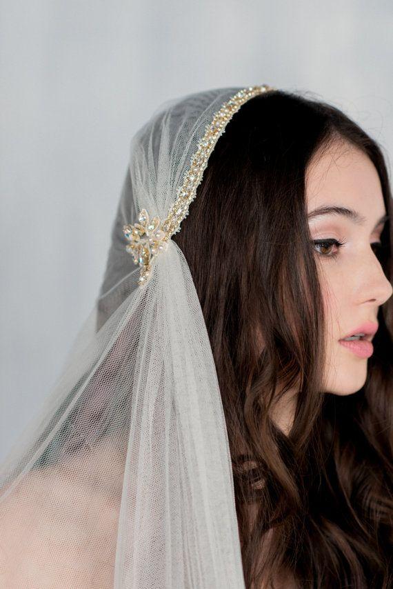 Gold Juliet Veil Crystal Bridal Cap Veil Vintage Wedding Etsy In 2020 Wedding Veil Vintage Bridal Cap Boho Veils