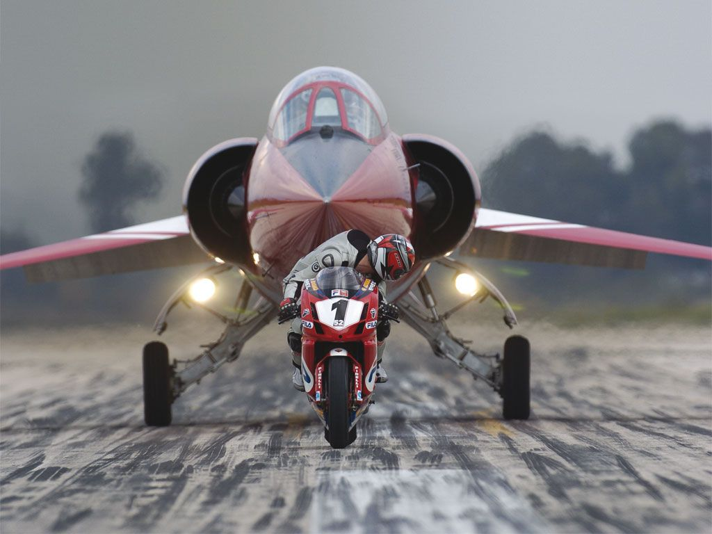 999 Vs The Starfighter Our Fav Ducati Photo Ever Funny