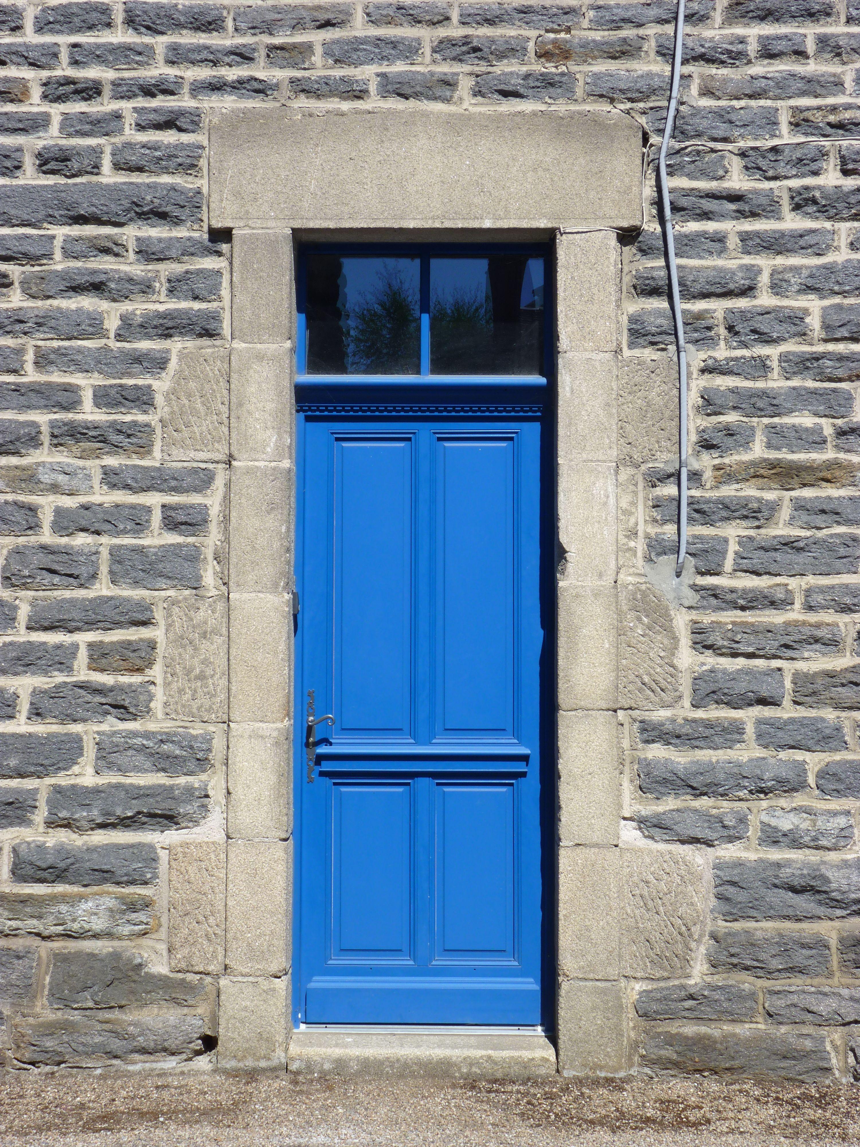 Porte d 39 entr e avec imposte vitr e petits bois coll s corniche moulur e cimaise moulur e - Imposte pour porte d entree ...