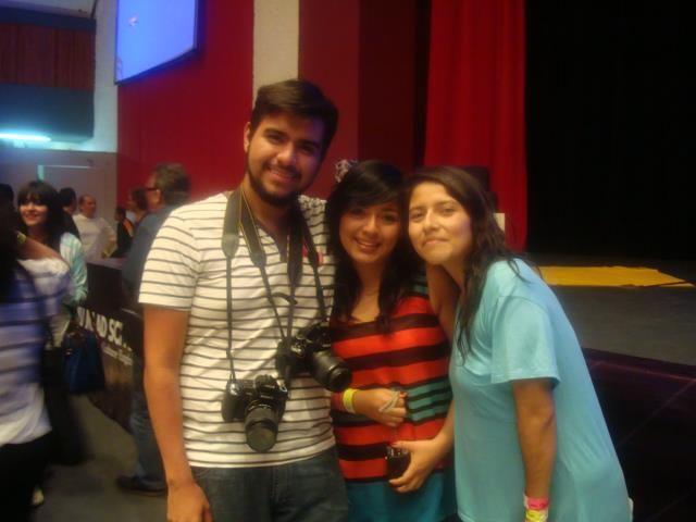 Los días 18,19 y 20 de abril alumnos de distintos semestres de la carrera de Diseño Gráfico participaron en un ciclo de 10 conferencias de diseño en el congreso Dejando Huella 16 en la ciudad de Querétaro.