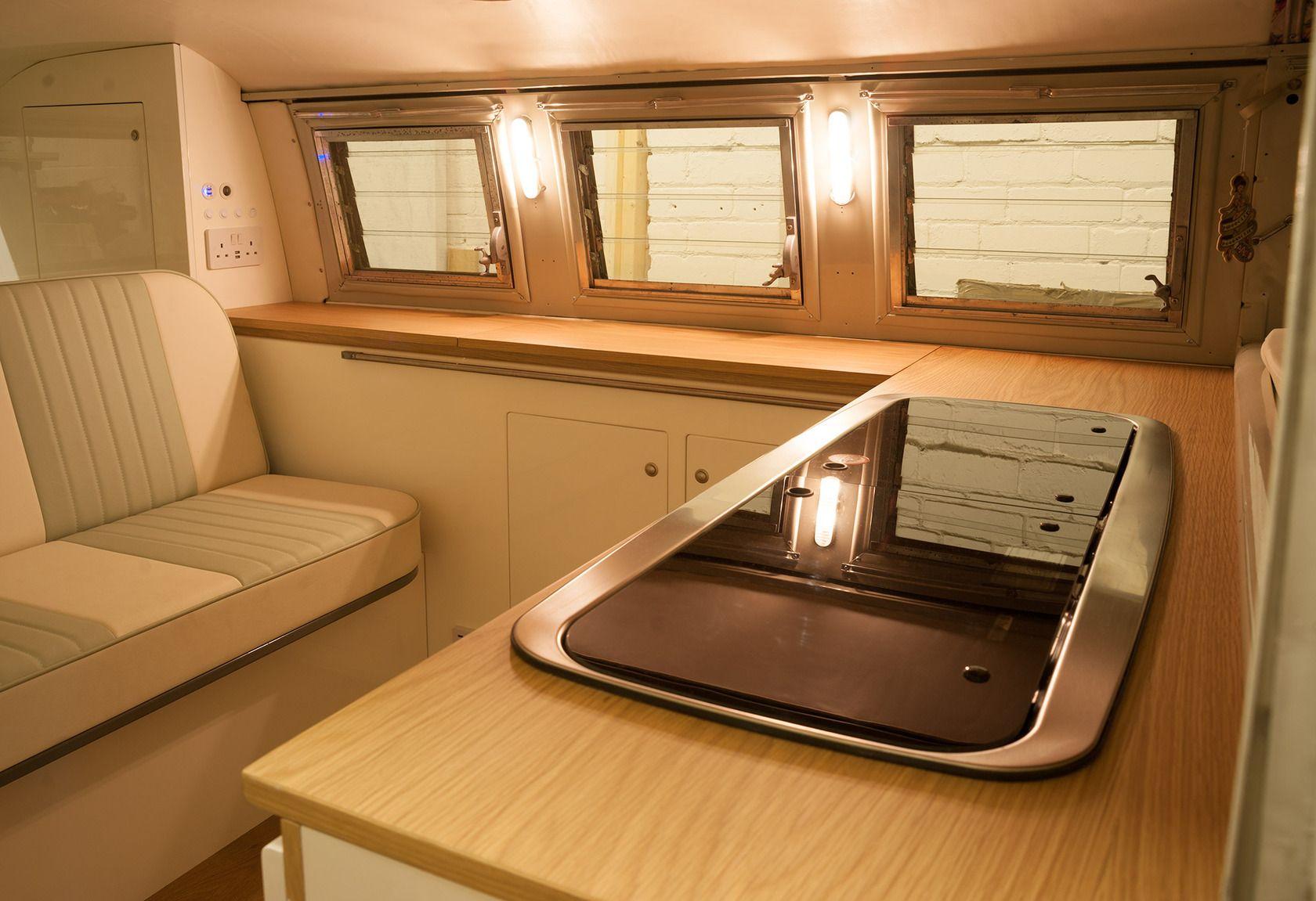 Dubteriors vw splitty interior kombi interior ideas for Kombi van interior designs