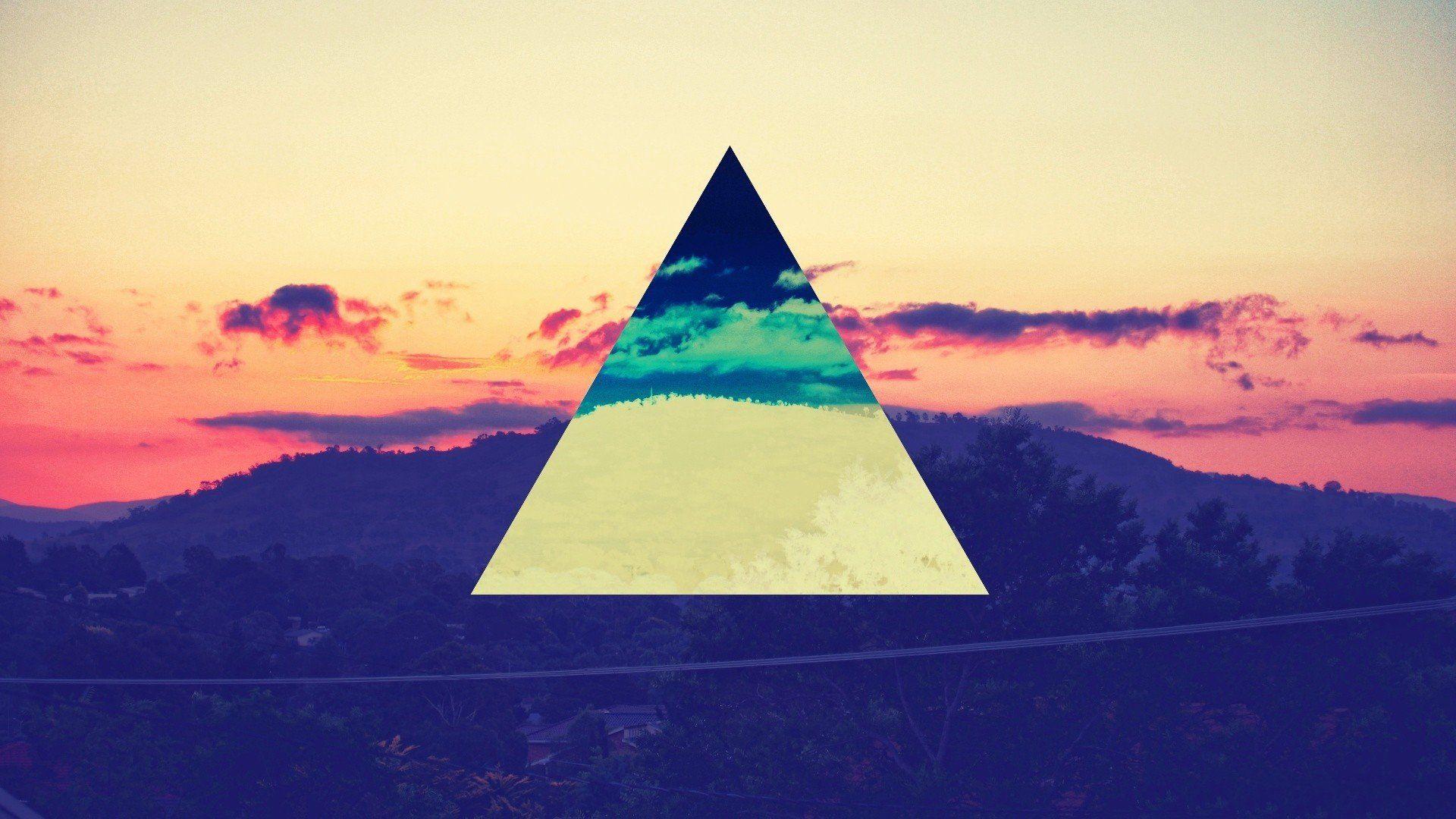 Top Wallpaper Mountain Triangle - 015032cf4b818ac2cb1fc12101adc461  Photograph_597691.jpg