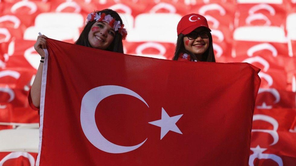 turkey-fans_1v5n8ozm1brd21bc2w0xrp5pdm.jpg (980×551)