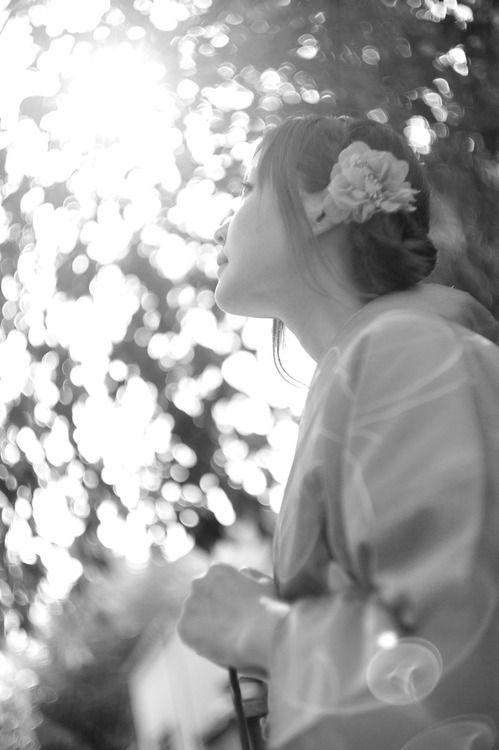 Light  おいでやす | black and white