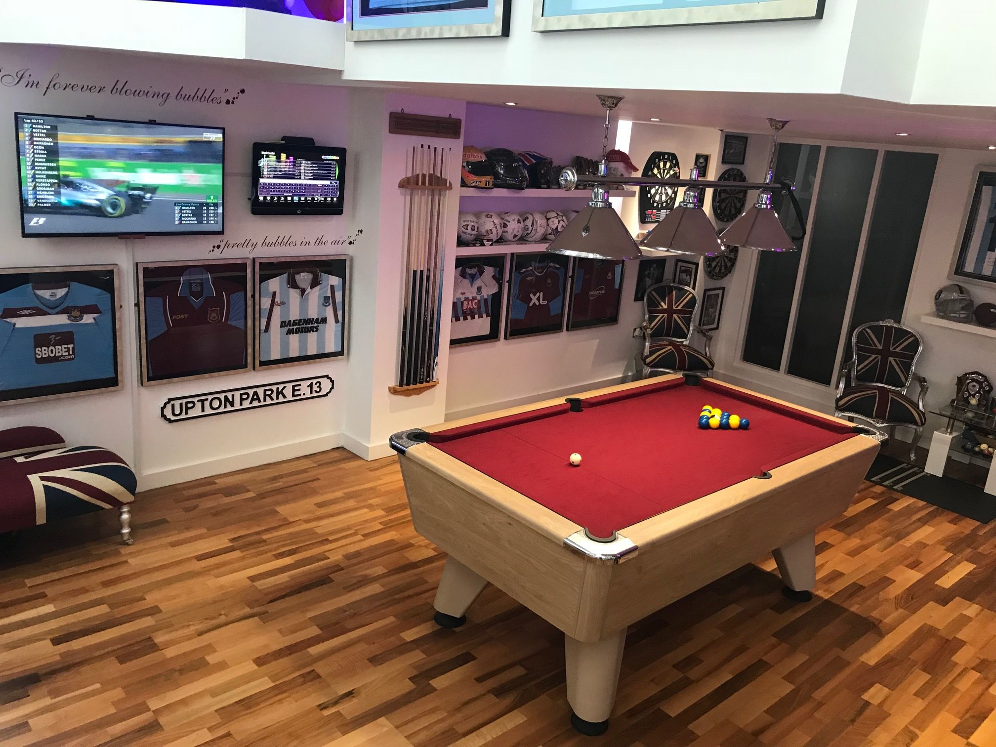 Decoration Of Best Games Room With Variety Of Things Game Room