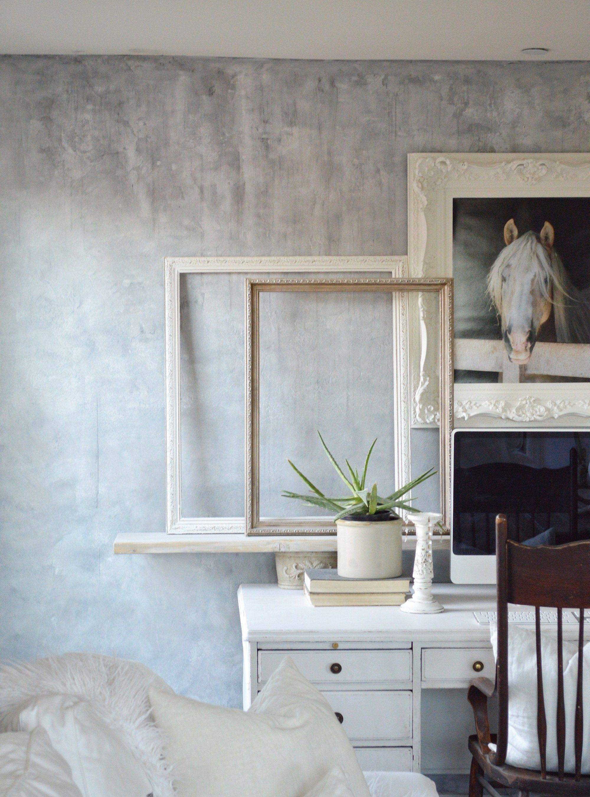 Painting A Wall To Look Like Concrete Faux Concrete Wall Concrete Walls Bedroom Concrete Walls Interior