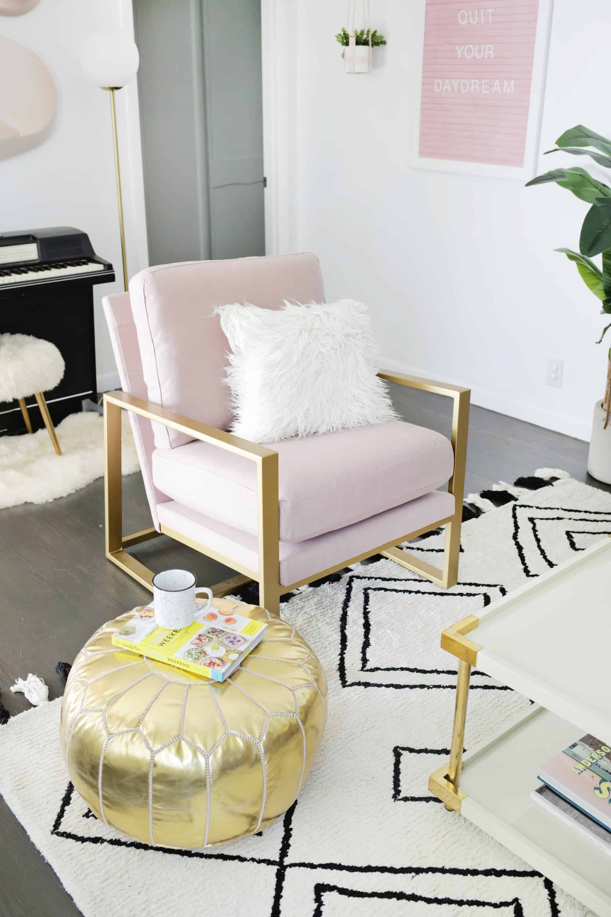 How To Choose The Perfect Accent Chair Upholstered Bedroom Chair