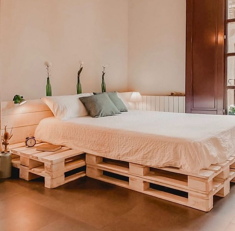 By recycling the wooden pallet, you can also make a bad so ...