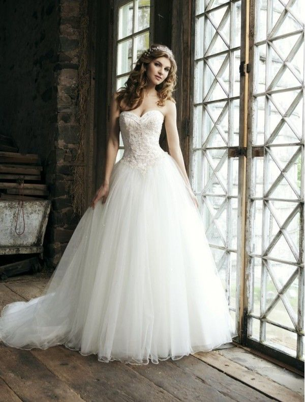 Tulle Sweetheart Strapless Neckline Ball Gown Wedding Dress With Delicate Lique Bodice 299 99
