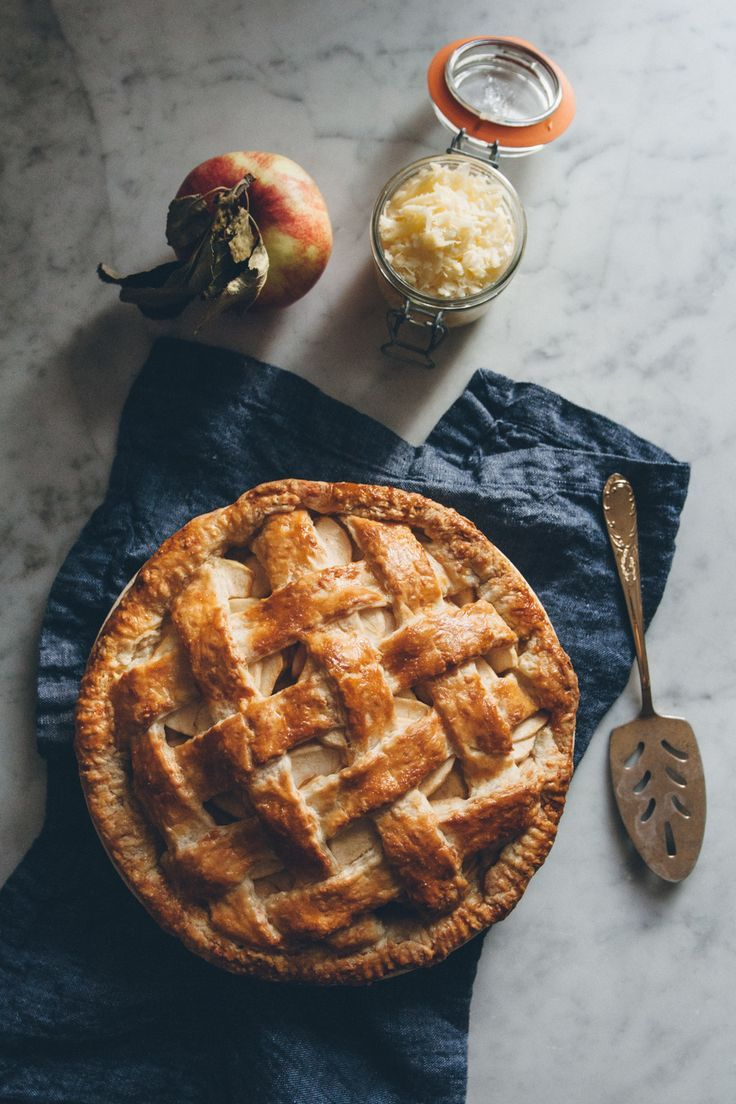Apple Pie with a Cheddar Cheese Crust — O&O Eats