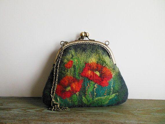 Felted bag Hand felted bag poppy green gray purse  di Dagneart