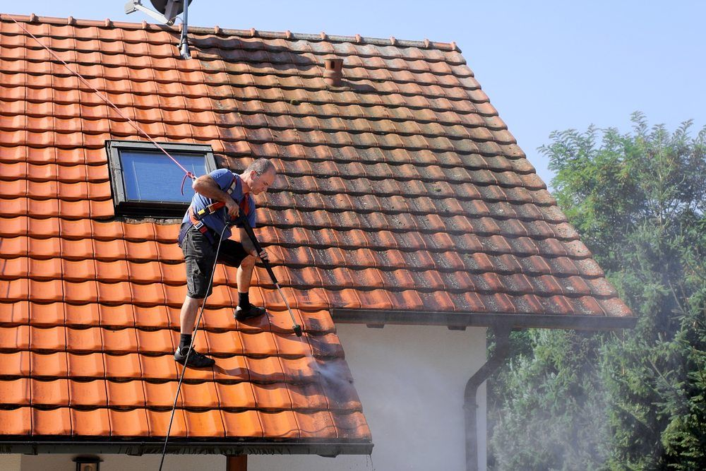 How to Clean a Roof? Amazing Roof Restoration Roof