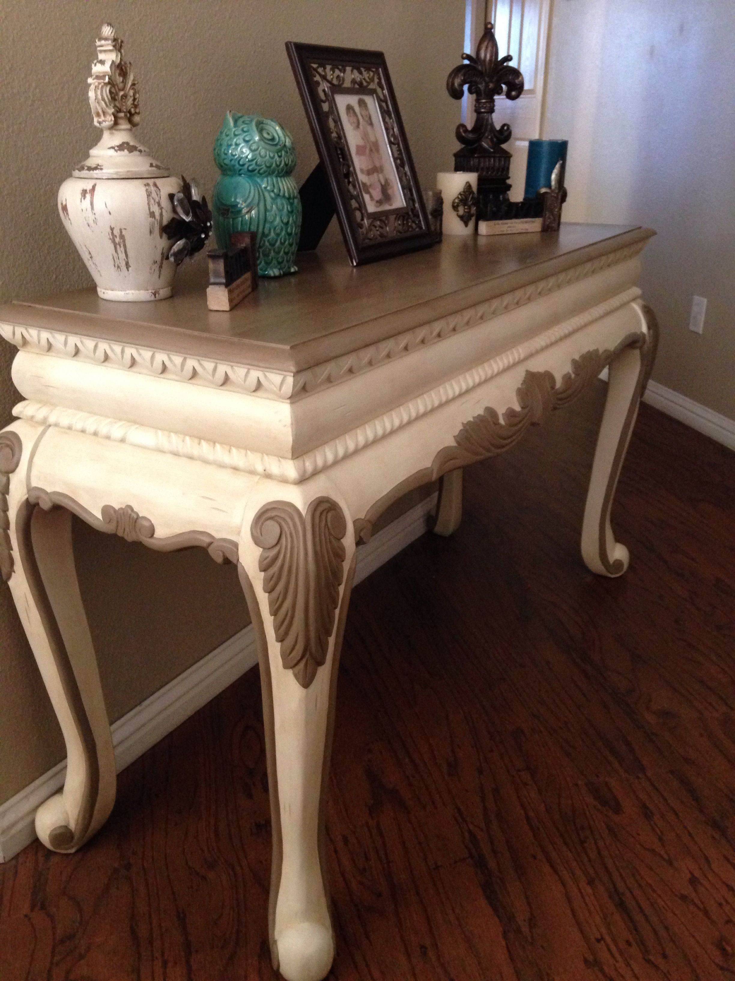 Chalk Paint Sofa Table Painted In Old White And Coco With Clear And Dark Wax Annie Sloan Chalk Paint Chalk Painted Sofa Painted Sofa Chalk Furniture