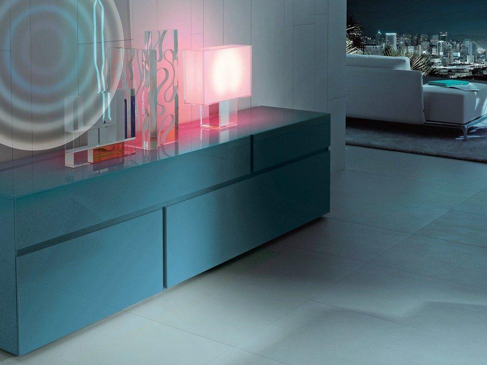 Buffet laquée en bois avec tiroirs FREE Collection Free by Poliform | design Carlo Colombo