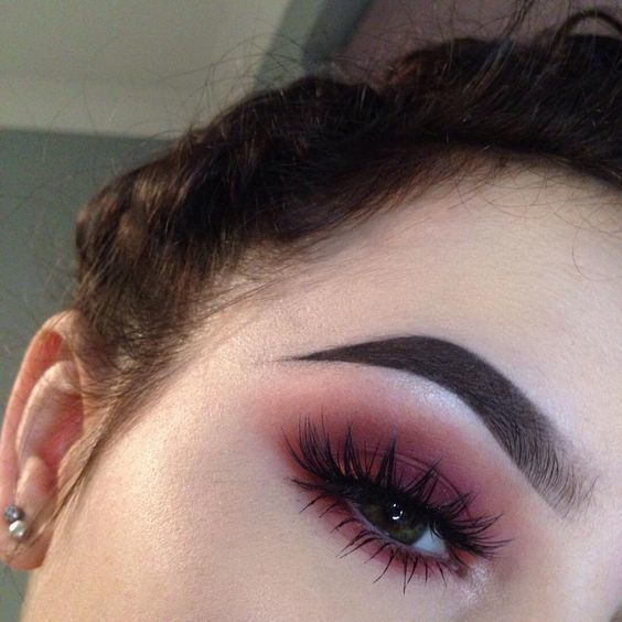 Photo of 7 Ways to Wear Colored Eyeliner That Actually Look Cute