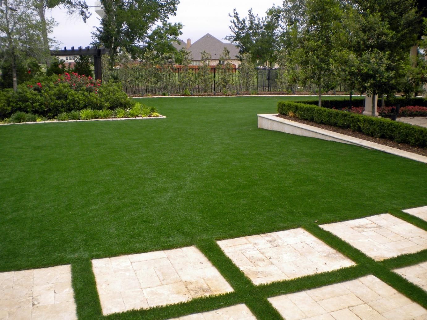 Exceptionnel Do It Yourself Artificial Grass Installation, Synthetic Grass. It Is Easy  To Install Synthetic Turf And Change Lawn In 24 Hours.